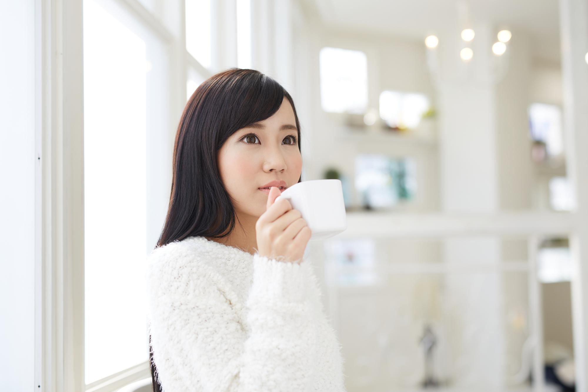 白湯は日の当たる場所で飲むのが効果的