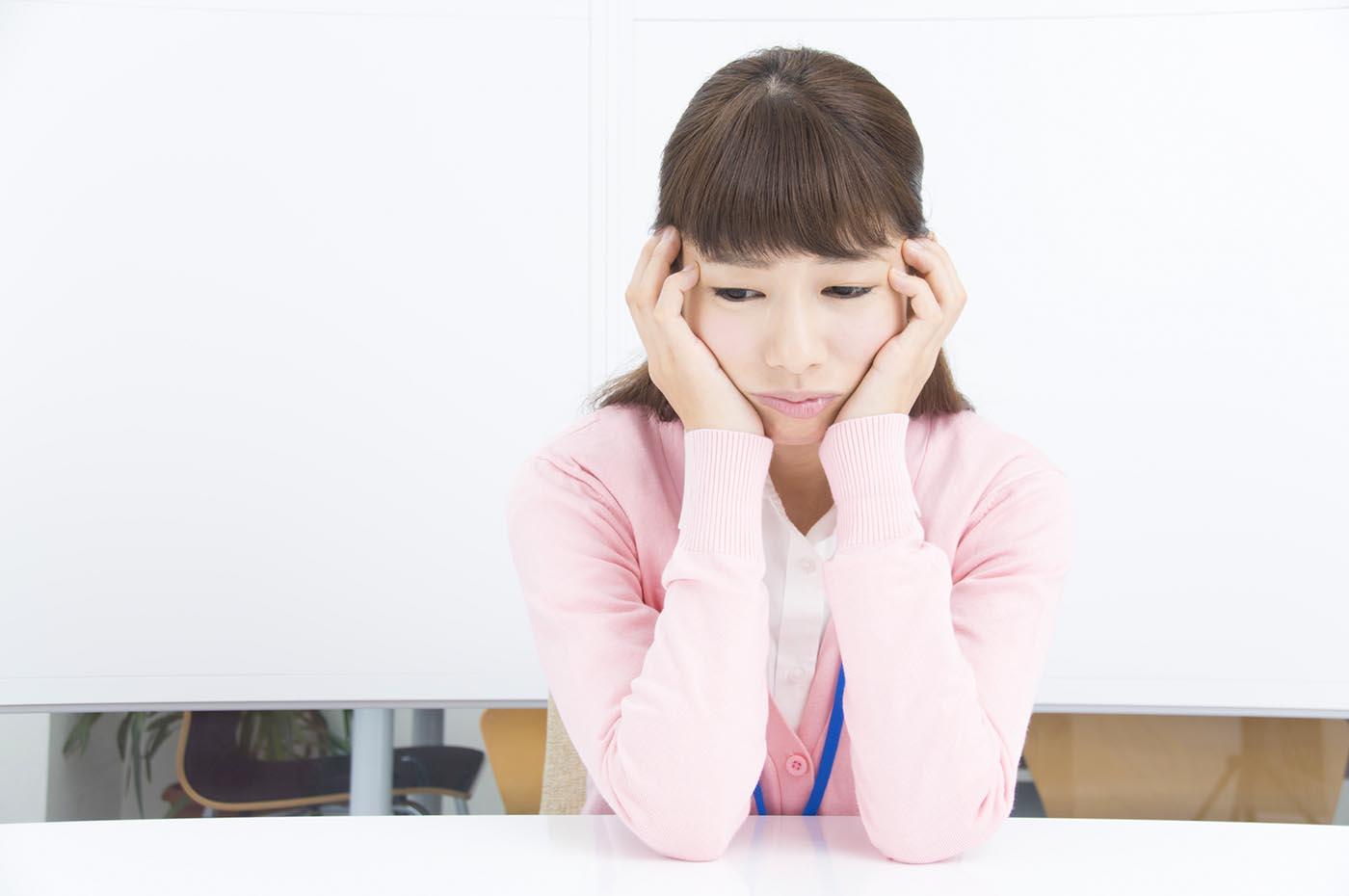 「春うつ」症状で不眠…原因は?自己チェックで早めの対策を
