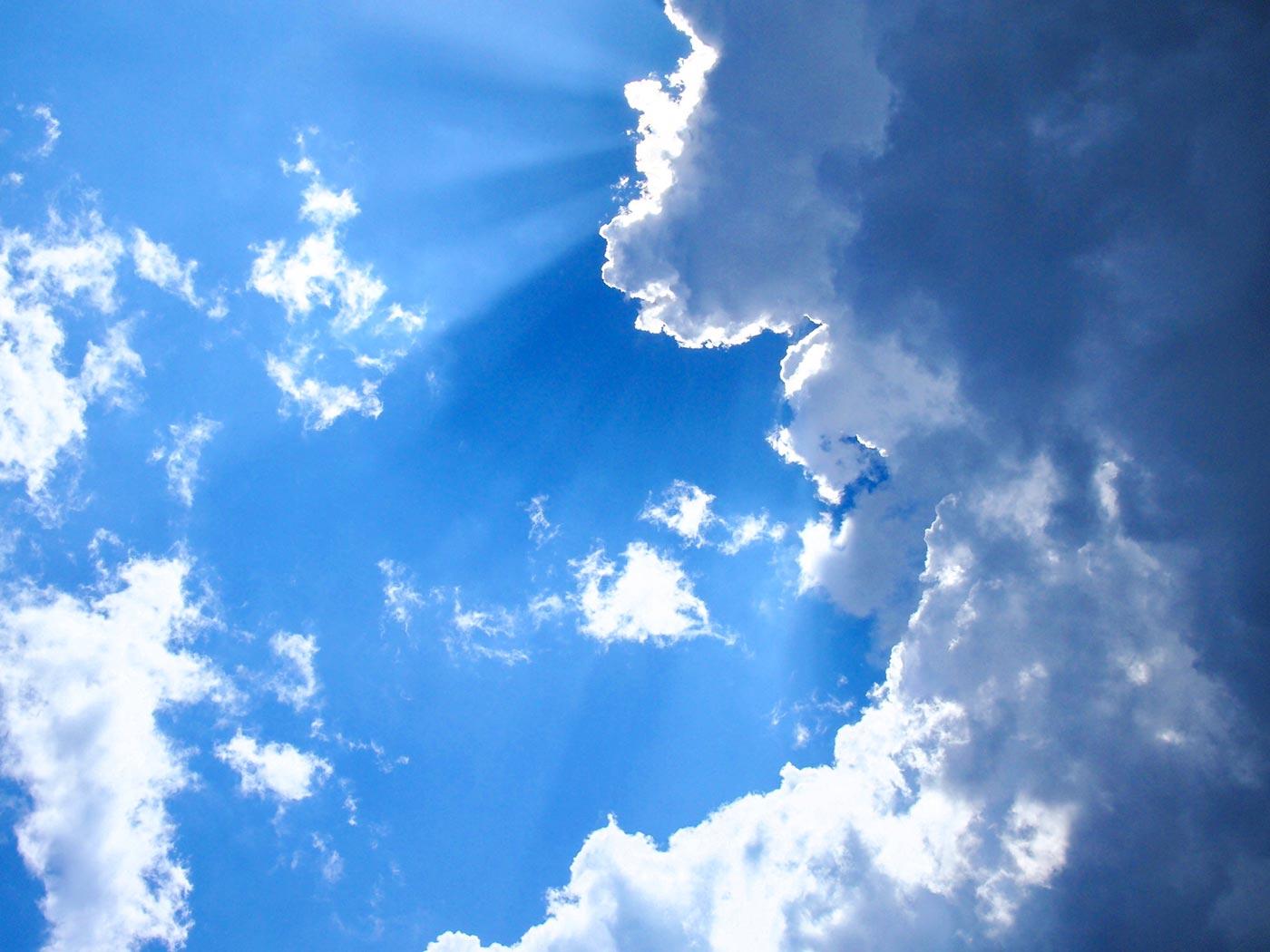 雨が続いて気温が下がっていても、梅雨の晴れ間には急激に気温が上がります。