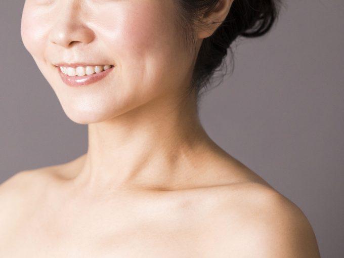 女性ホルモンのバランスを整える4つのパーツ:左の鎖骨