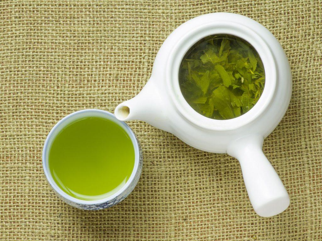 お酒の前に・・・「緑茶」を飲む