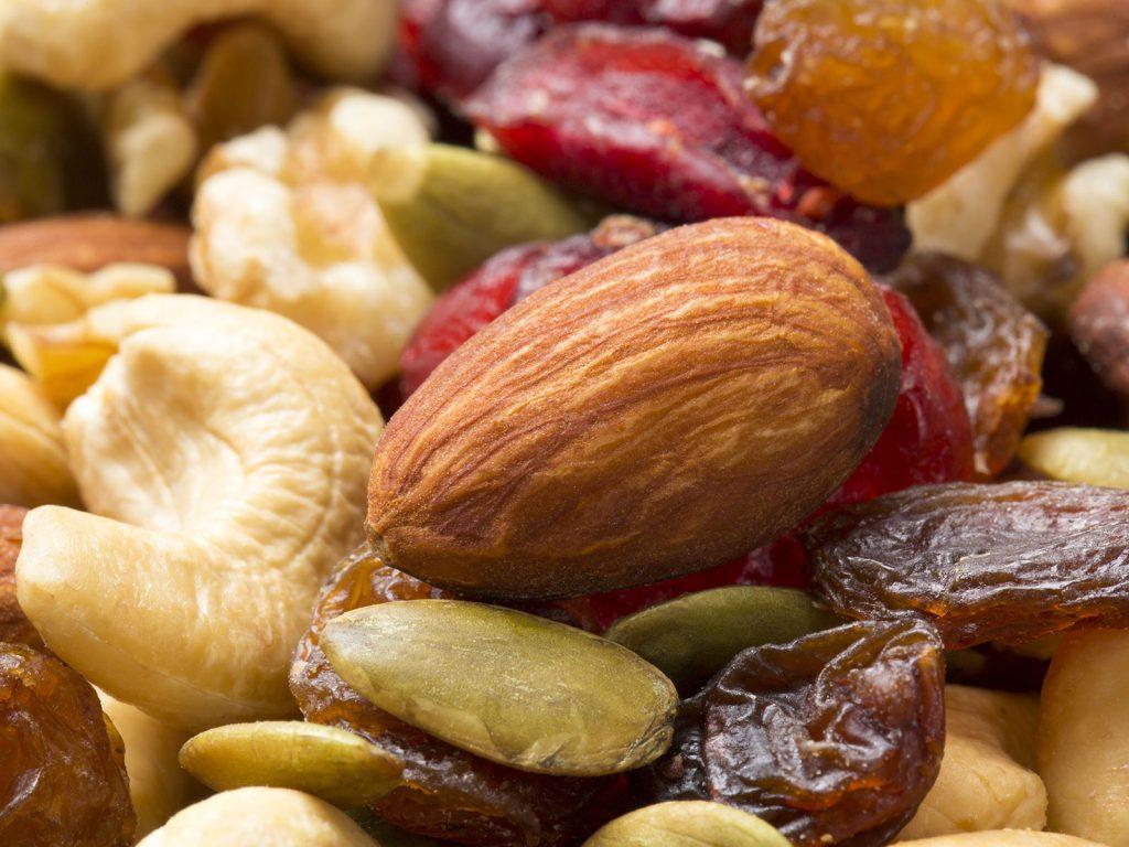 ミネラルアップには豆類、種子類、ドライフルーツ