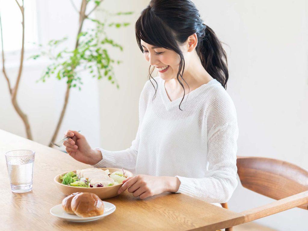 血糖値のコントロールには適度な間食も大事