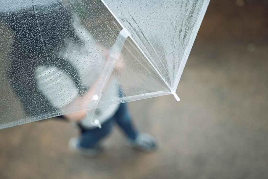 梅雨にむくみを感じやすいのはナゼ?