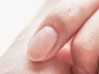 縦に線が入った爪、白っぽい爪…あなたの爪は大丈夫?